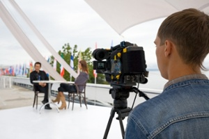 How to create a Video Interview and differentiate yourself by going beyond the Resume!